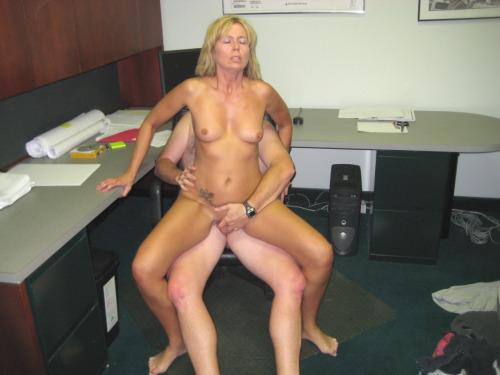 Femme mure nue image porno 19