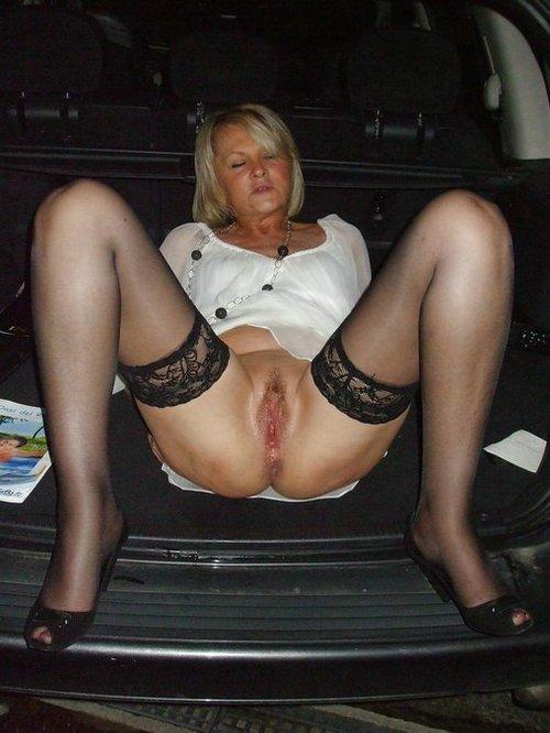 Image pour s'exciter avec une femme mature nue 09