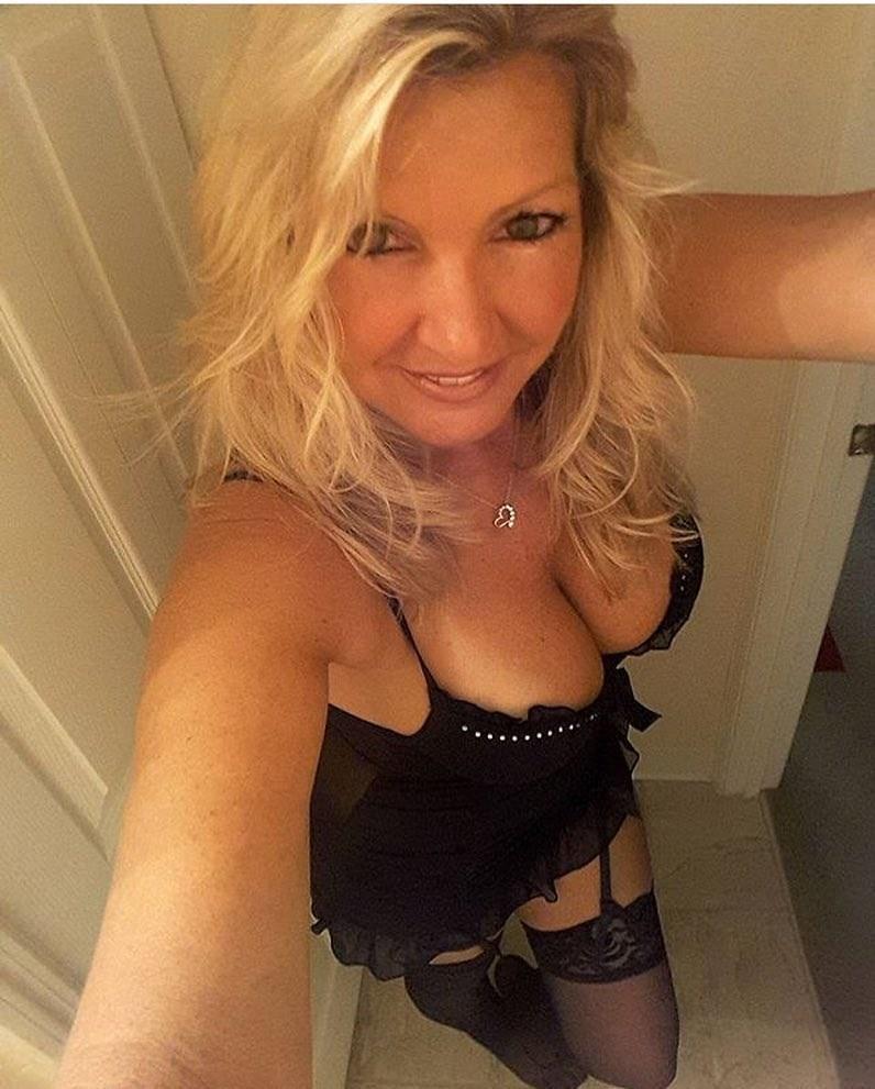 Selfie sexe et rdv avec femme mariée du 16